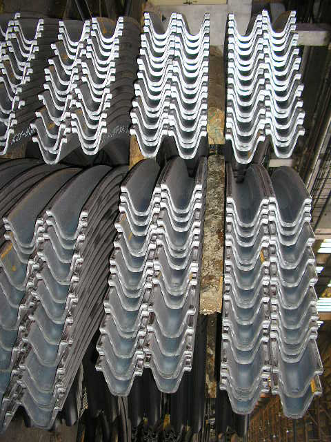 Mining and tunnel reinforcement